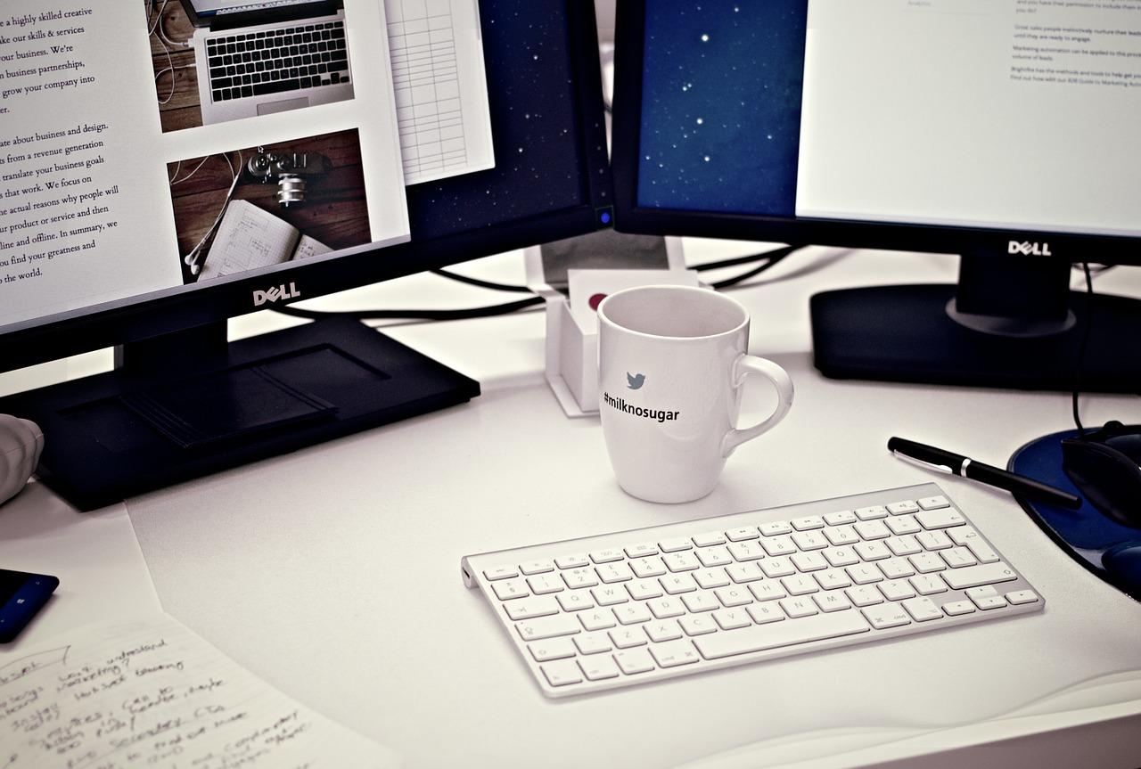 Arquiteto-clientes-escritorio